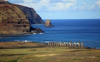Wyspa Wielkanocna: posągi z Rapa Naui