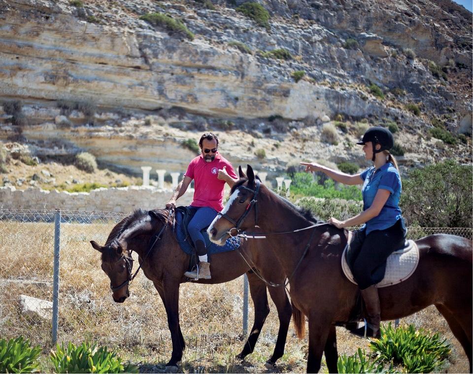 U stóp urwiska, na którym leży starożytne miasto Kourion